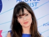 Zooey Deschanel arrives at the 2012 Teen Choice Awards