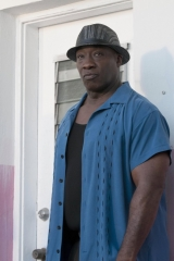 "BONES:  Michael Clarke Duncan guest-stars in the ""Finder"" episode of BONES airing Thursday, April 21 (9:00-10:00 PM ET/PT) on FOX.  ©2011 Fox Broadcasting Co.  Cr:  Glenn Watson/FOX"