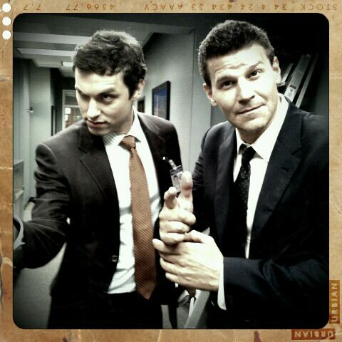 Sweets (John F Daley) and Booth (David Boreanaz)