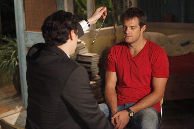 THE FINDER:  Walter (Geoff Stults, R) is hypnotized by Dr. Lance Sweets (guest star John Francis Daley of BONES, L) in the